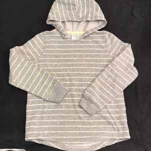 💥 5/$25 Old Navy hooded shirt size 8 boys